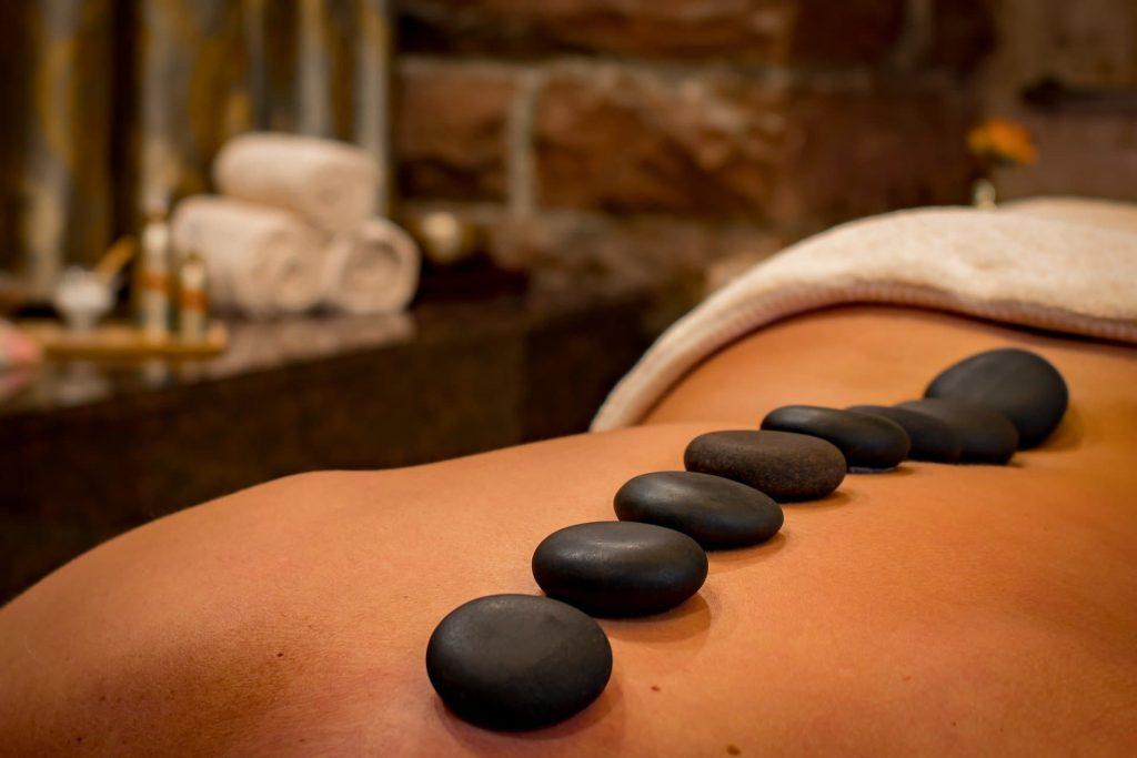 Massage warme Steine